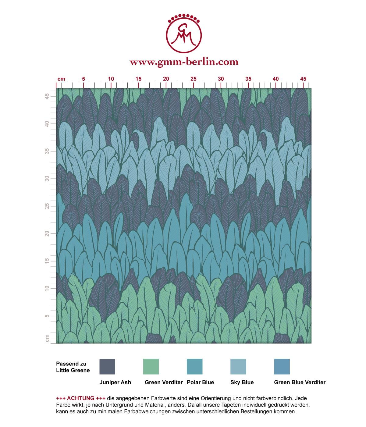 Boho Streifentapete mit Federn in blau Tönen angepasst an Little Greene Wandfarben. Aus dem GMM-BERLIN.com Sortiment: Schöne Tapeten in der Farbe: mittelblau