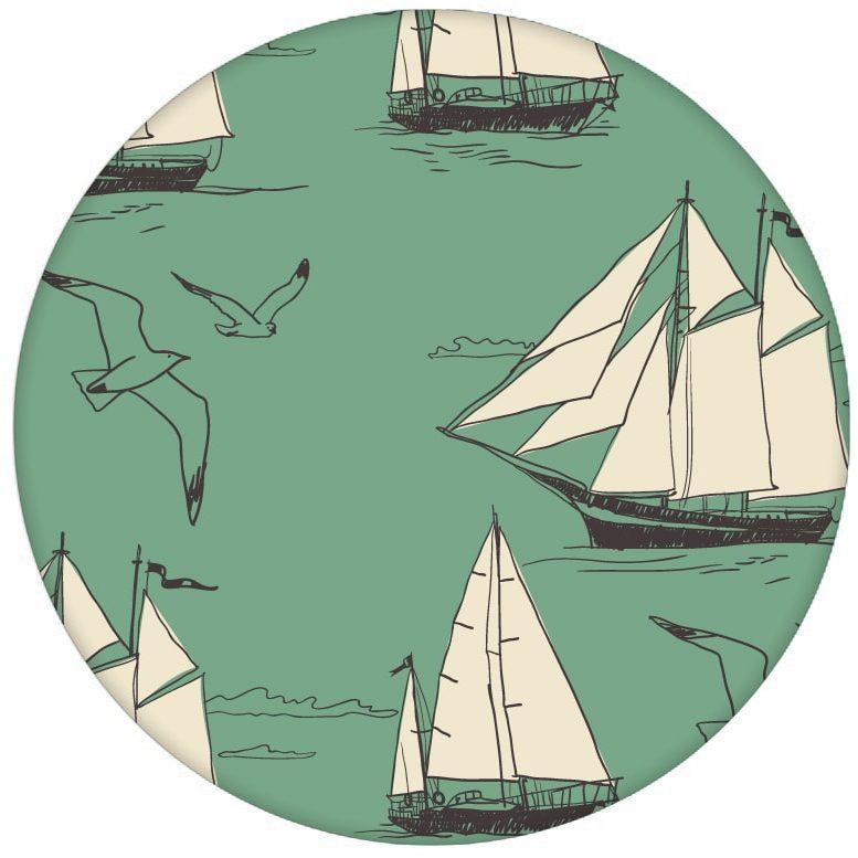 """Segel Design Tapete """"Die Regatta"""" mit klassischen Segelbooten und Möwen auf grün Vliestapete maritim"""