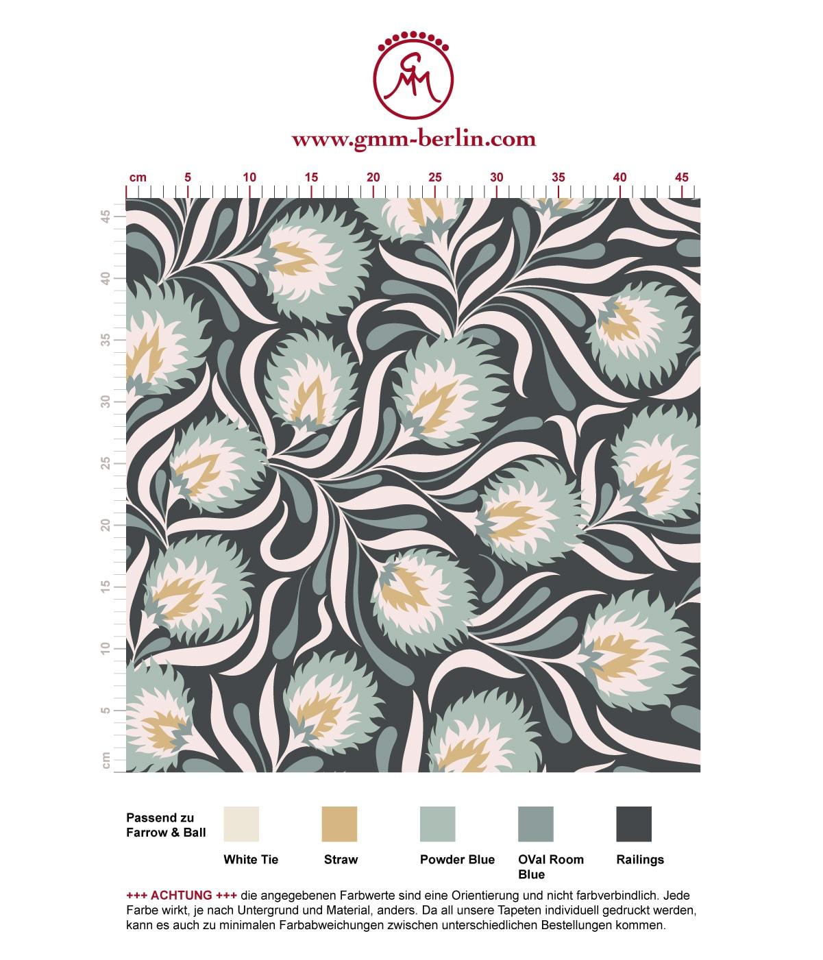 .Jugendstil Tapete mit großen Blüten in blau grau angepasst an Farrow & Ball Wandfarben. Aus dem GMM-BERLIN.com Sortiment: Schöne Tapeten in der Farbe: hellblau