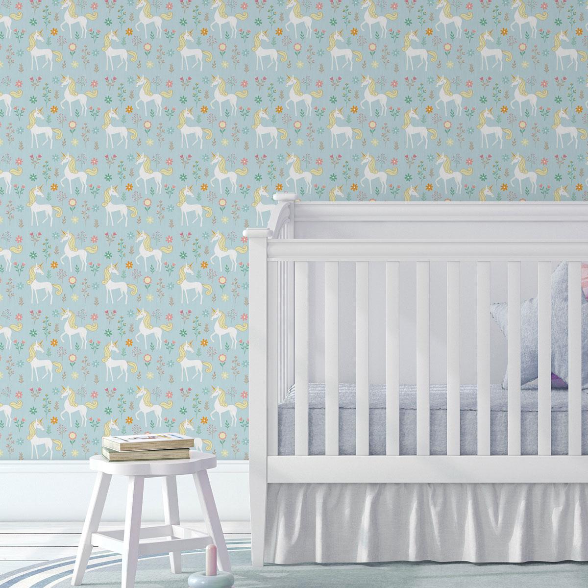 Traumhafte Kinder Tapete mit magischem Einhorn auf hellblau angepasst an Little Greene Wandfarben- Vliestapete Tiere