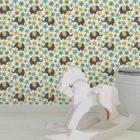 """Baby Kinder Tapete """"Elephant Power"""" mit Blumen und Elefanten im 70er Jahre Stil in grün angepasst an Farrow and Ball Wandfarben- Vliestapete Tiere"""