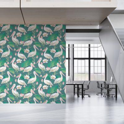 """Grüne Vogel Vliestapete """"Pelican Pond"""" mit Pelikanen und Seerosen moderne Wandgestaltung für Wohnzimmer"""
