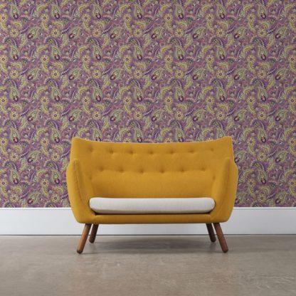 "Wandtapete violett: Lila edle Designer Tapete ""Classic Paisley"" mit dekorativem Blatt Muster (klein) angepasst an Ikea Wandfarben"