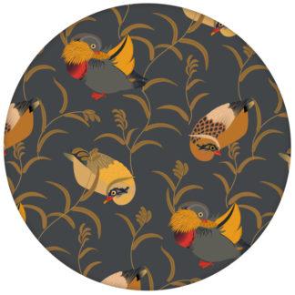 """Klassische Design Tapete """"Im Schlossteich"""" mit Enten im Schilf in grau für Schlafzimmeraus dem GMM-BERLIN.com Sortiment: gelbe Tapete zur Raumgestaltung: #Enten #FarrowandBall #grau #Schloss #tapete #Wasser für individuelles Interiordesign"""