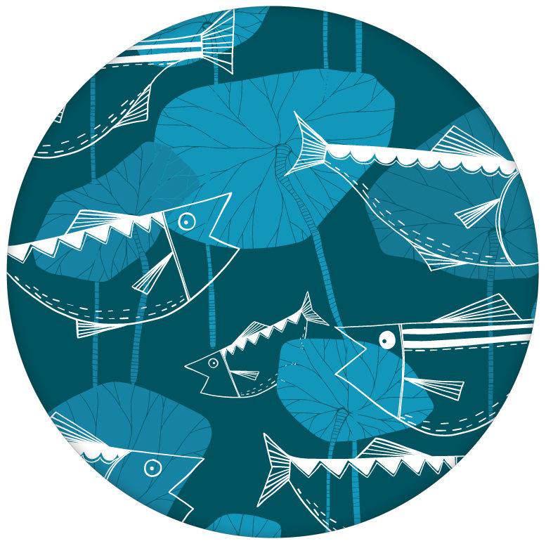 """Retro Fisch Tapete """"Angler Glück"""" im Stil der 70er Wandgestaltung petrolaus dem GMM-BERLIN.com Sortiment: blaue Tapete zur Raumgestaltung: #Fische #Ikea #Retro #tapete #tiere für individuelles Interiordesign"""