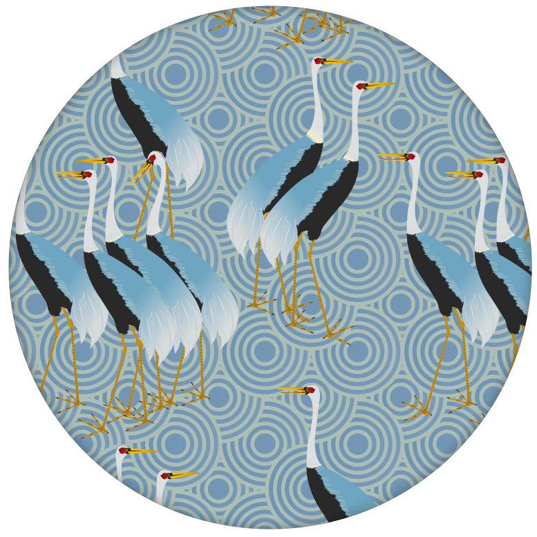 """Blaue Design Tapete """"Kraniche des Ibykus"""" mit edlen Kranichen für Wohnzimmeraus dem GMM-BERLIN.com Sortiment: blaue Tapete zur Raumgestaltung: #Asien #blau #FarrowandBall #Kraniche #tapete #voegel für individuelles Interiordesign"""