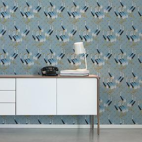 "Wandtapete hellblau: Blaue Design Tapete ""Kraniche des Ibykus"" mit edlen Kranichen angepasst an Farrow and Ball Wandfarben"