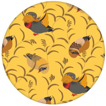 """Klassik Tapete """"Im Schlossteich"""" mit Enten im Schilf in gelb für Wohnzimmer aus den Tapeten Neuheiten Exklusive Tapete für schönes Wohnen als Naturaltouch Luxus Vliestapete oder Basic Vliestapete"""