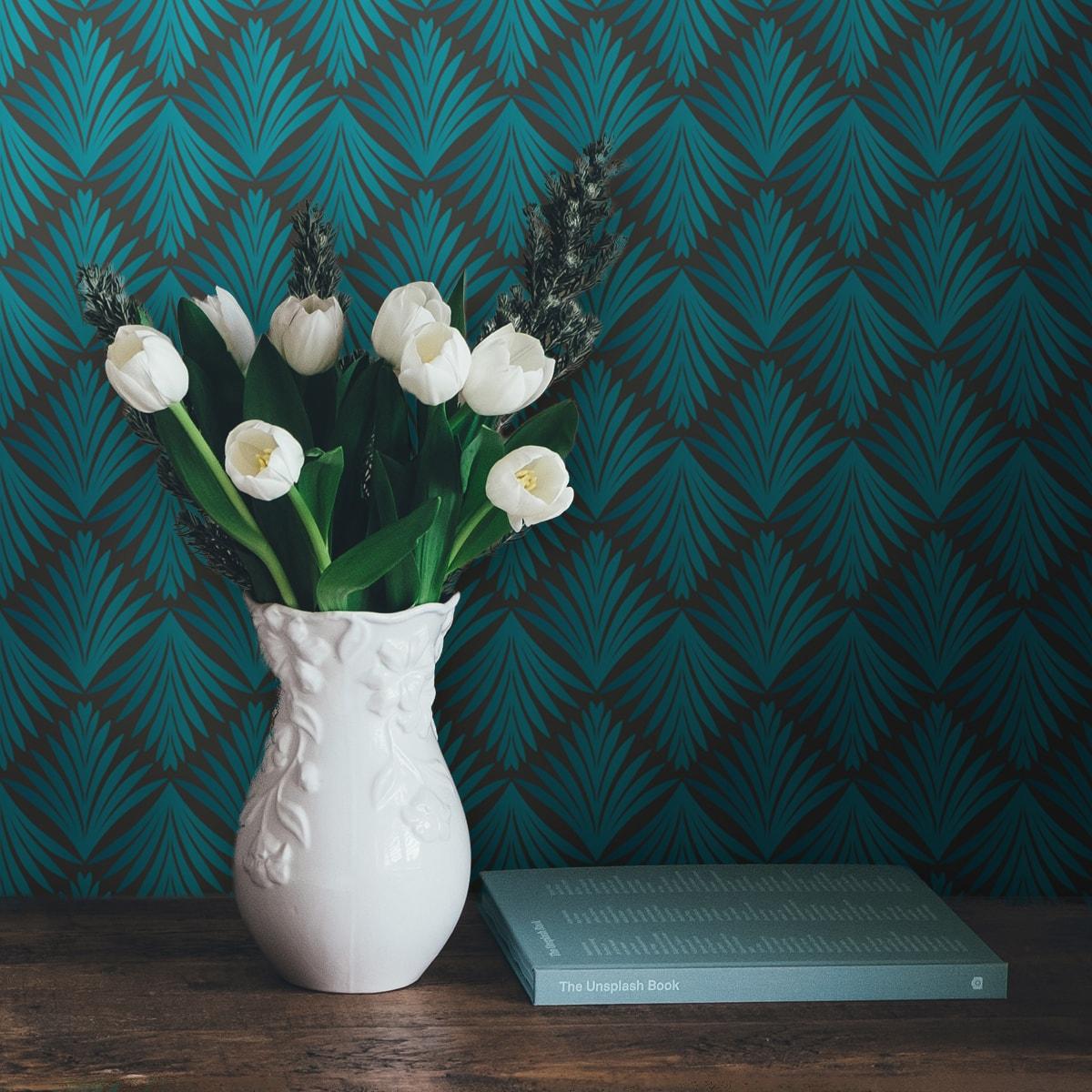 "Türkise Ornament Tapete ""Art Deco Akanthus"" mit Blatt Muster auf grau angepasst an Scala Wandfarben 1"