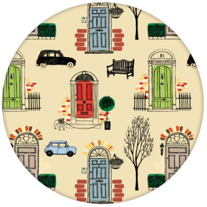 """Belgravia"" bunte Design Tapete mit Londoner Türen, Mini und Cabs in hellblau"