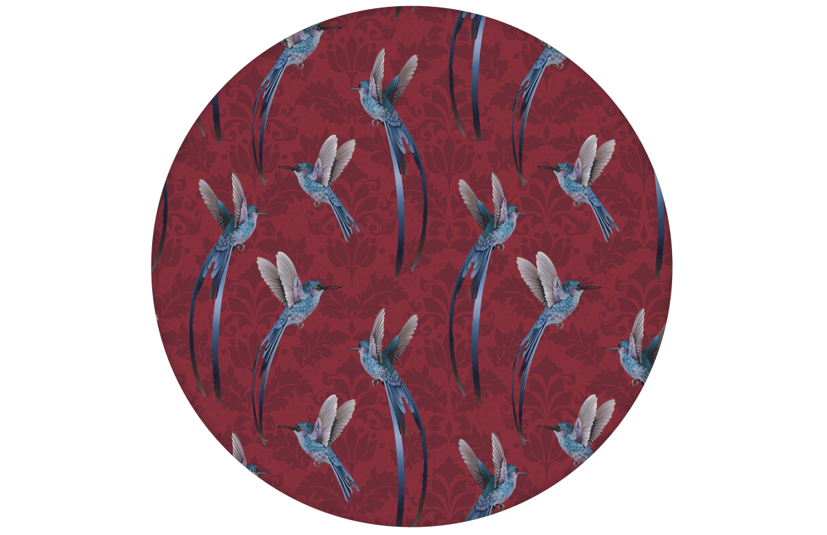 "Kolibri Tapete ""Damast-Elfen"" mit klassischem Damast Muster in rot angepasst an Farrow & Ball Wandfarben"