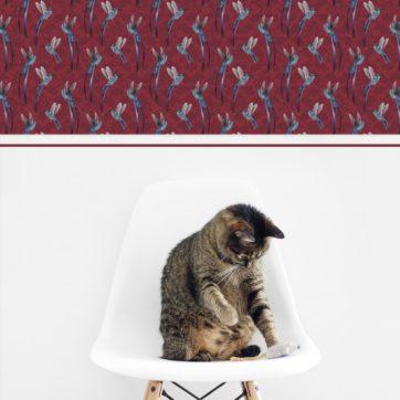 "Kolibri Ornament Tapete ""Damast-Elfen"" auf Damast Muster in rot Wandgestaltung"