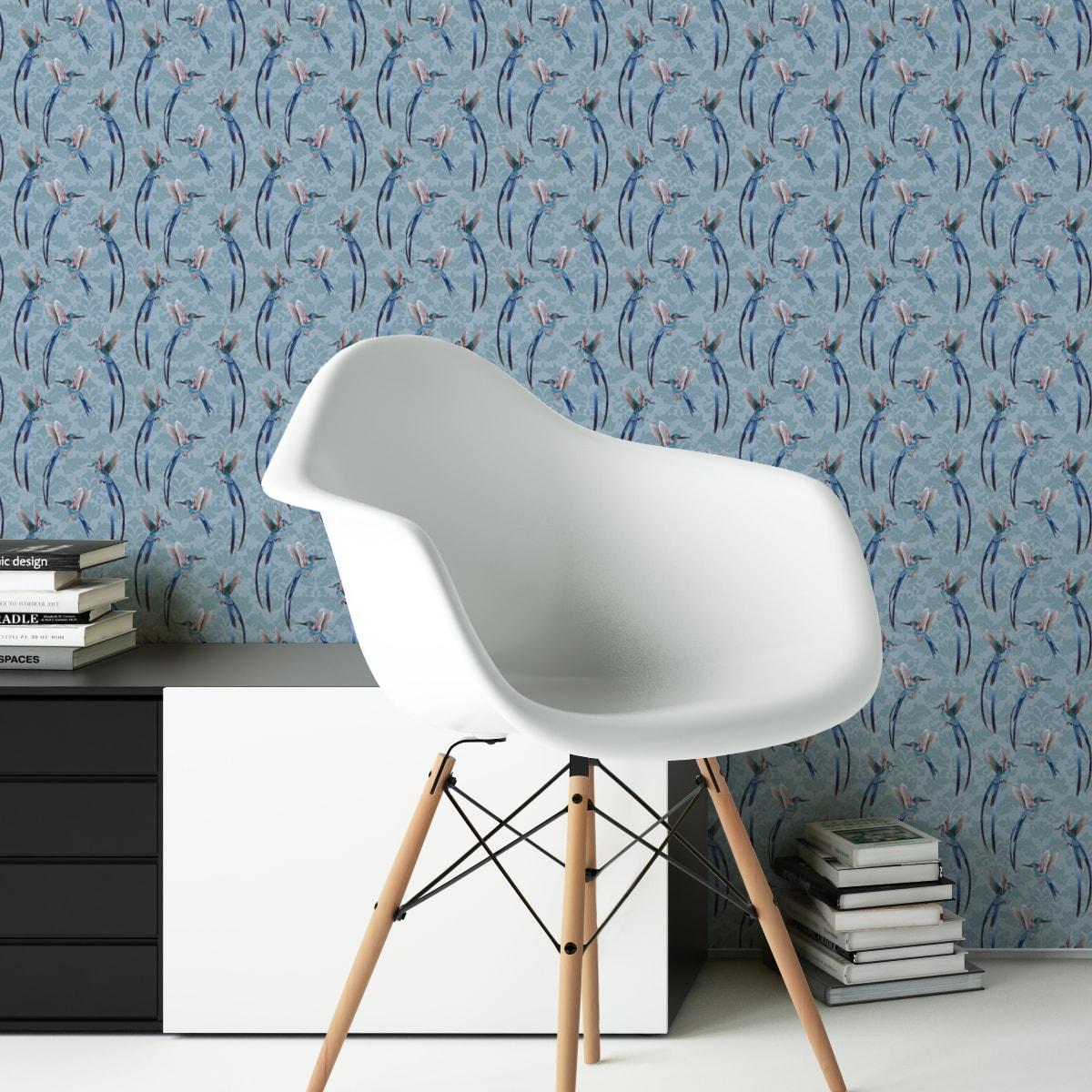 "Wandtapete hellblau: Kolobri Design Tapete ""Damast-Elfen"" auf Damast Muster in blau"
