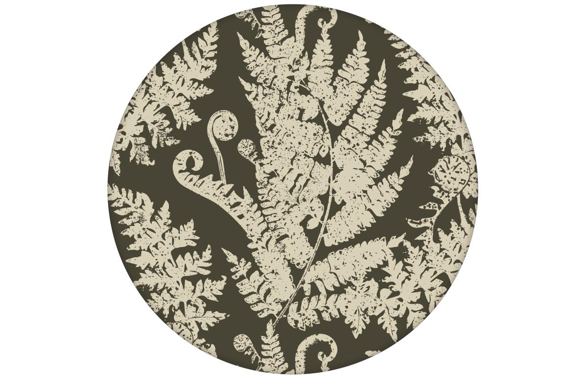 "Elegante Tapete ""Heidis Fernerie"" mit großem Farn Muster in braun grün angepasst an Little Greene Wandfarben"