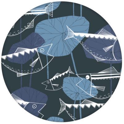 """70er Jahre Design Tapete """"Angler Glück"""" mit Fischen in lila grau Retro Wandgestaltungaus dem GMM-BERLIN.com Sortiment: blaue Tapete zur Raumgestaltung: #FarrowandBall #Fische #Retro #tapete #tiere für individuelles Interiordesign"""