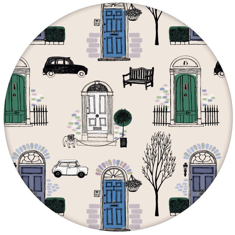 """Fröhliche Design Tapete """"Belgravia"""" mit Londoner Türen, Mini und Cabs in blau Retro Wandgestaltungaus dem GMM-BERLIN.com Sortiment: beige Tapete zur Raumgestaltung: #Auto #blau #Grafik #London #tapete für individuelles Interiordesign"""