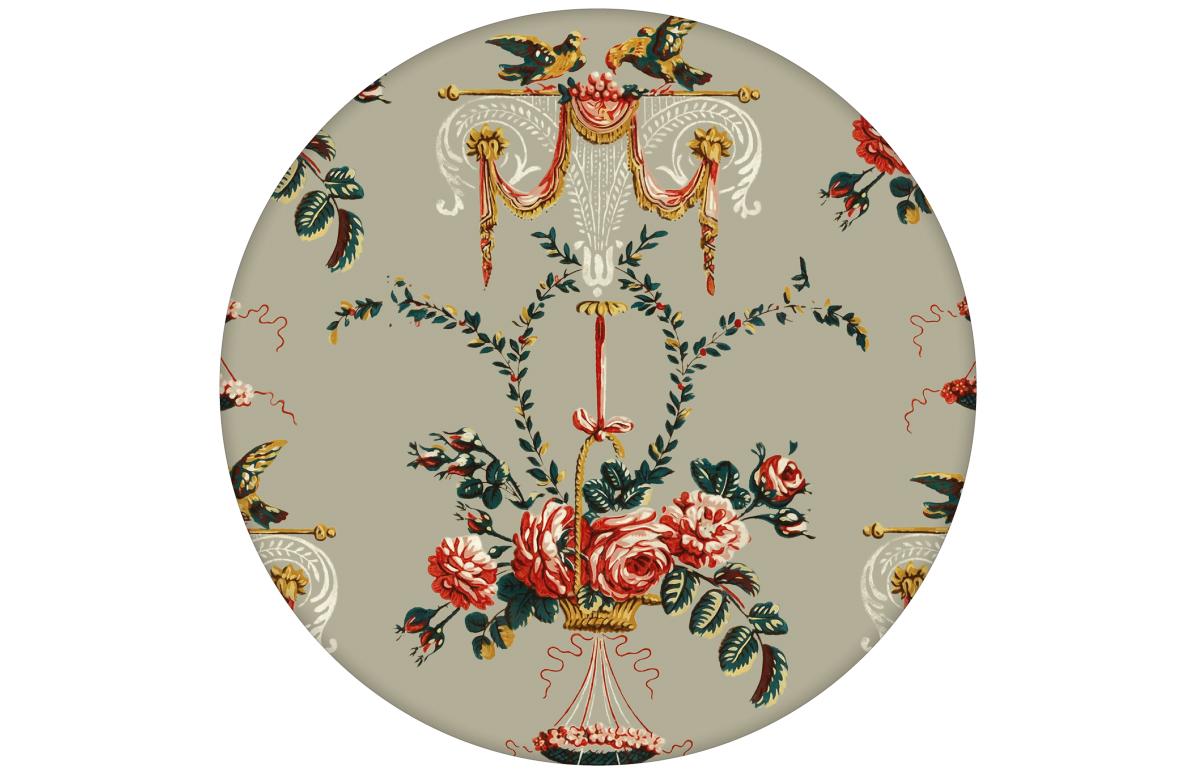 """Üppige Ornamenttapete """"Pure Rococo"""" mit klassischen Rosen, Tauben und Blumenaus dem GMM-BERLIN.com Sortiment: beige Tapete zur Raumgestaltung: #beige für individuelles Interiordesign"""