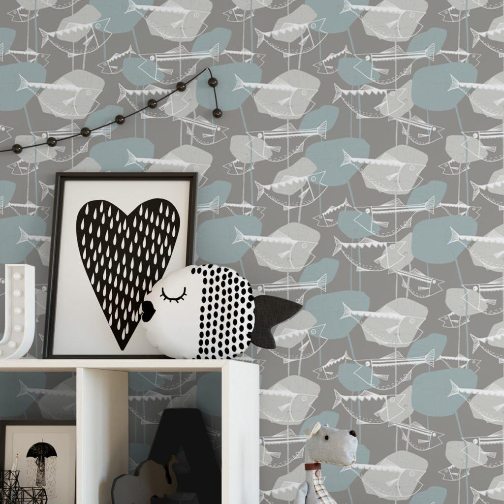 """Helle Fisch Tapete """"Angler Glück"""" im Stil der 70er in beige grau angepasst an Little Greenel Wandfarben"""