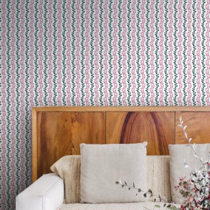 """Klassische Tapete """"zarte Laub Streifen"""" mit gemalten Blättern in rosa grün Streifentapete"""