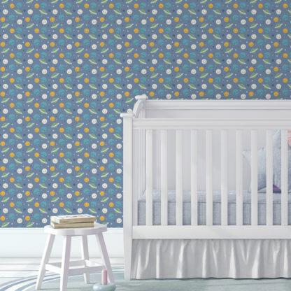 """Kindertapete mittelblau: Kinderzimmer Tapete """"Planeten Zauber"""" in blau für Astronauten Kinderzimmer"""