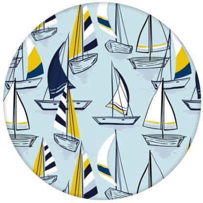 """Frische Segel Tapete """"Lago Maggiore"""" mit Booten in hellblau für Büro Flur Kücheaus dem GMM-BERLIN.com Sortiment: blaue Tapete zur Raumgestaltung: #Ambiente #Boote #hellblau #interior #interiordesign #ornamente #Retro #Segeln #Stil #Wasser für individuelles Interiordesign"""