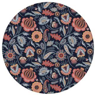 Blumentapete Folklore Garten Vintage Stil in dunkelblau - Vliestapete Blumen für Wohnzimmeraus dem GMM-BERLIN.com Sortiment: orange Tapete zur Raumgestaltung: #Ambiente #Blaue Tapeten #blueten #Folklore #interior #interiordesign #vintage #wohnzimmerBlumen für individuelles Interiordesign