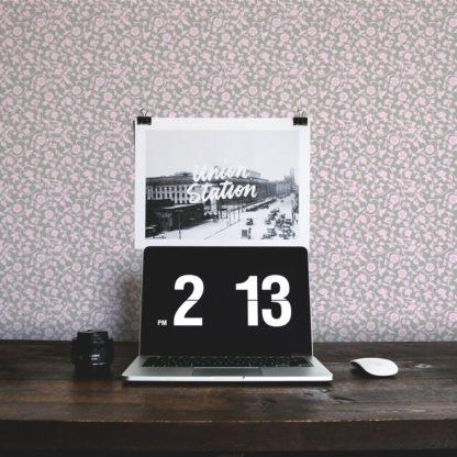 Tapete für Büroräume hell rosa: Ranken Ornamenttapete Kemenaten Zauber mit Blumen in grau - Nostalgietapete für Flur, Büro