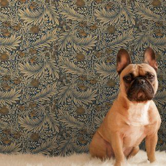 """Feine Jugendstil Tapete """"Délice florale"""" nach William Morris, dunkelblau beige Vlies-Tapete, großer Rapport Wanddeko für Wohnzimmer"""