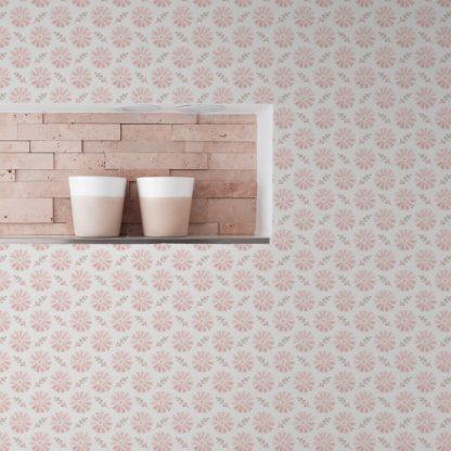 """Tapete Wohnzimmer pink: Klassisch rosa Tapete """"Blümchen Glück"""" mit Aquarell Look, Vlies-Tapete für Wohnzimmer"""