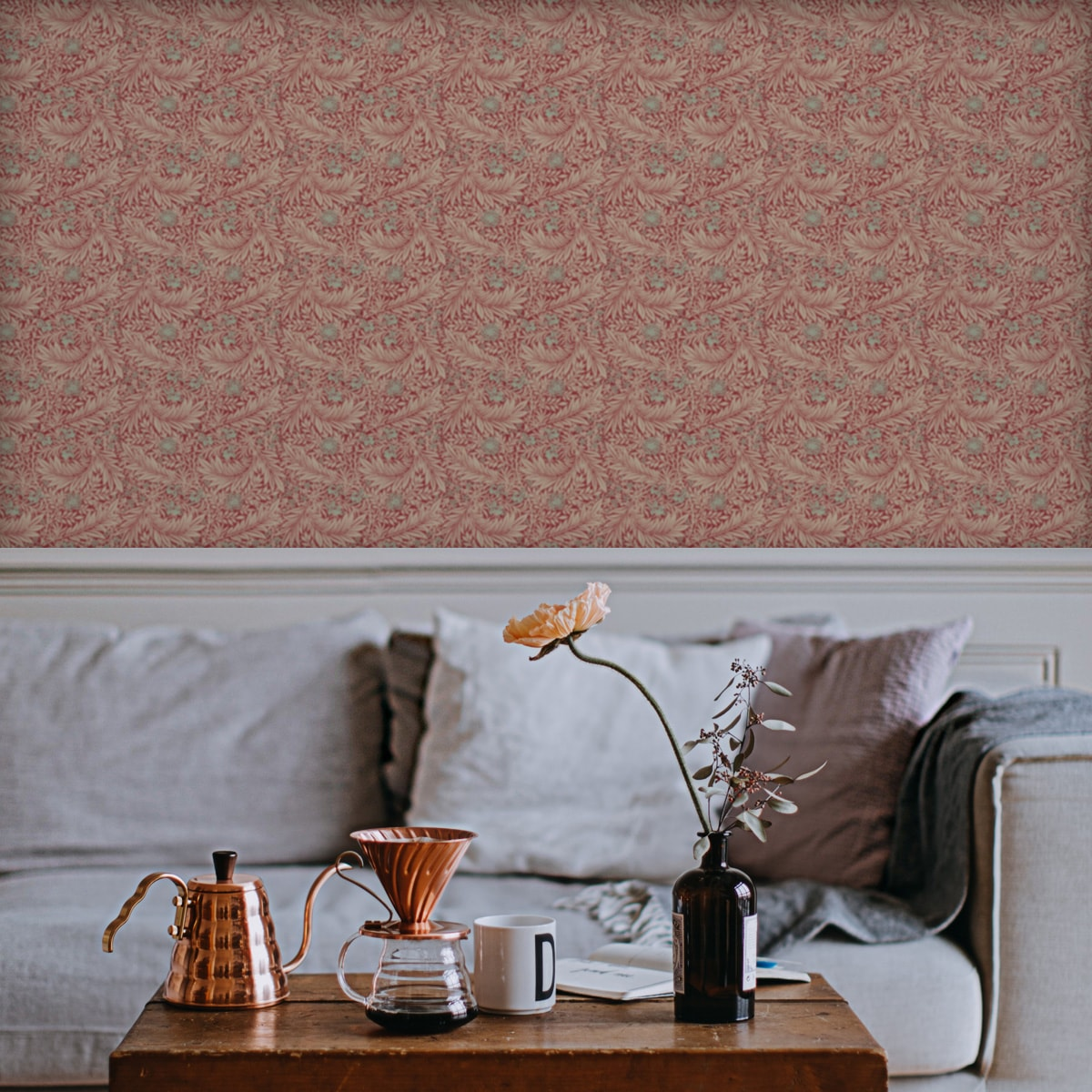 """Vintage Jugendstil Tapete """"Délice florale"""" nach William Morris, rote Vliestapete, kleiner Rapport Ornamenttapete für Küche"""
