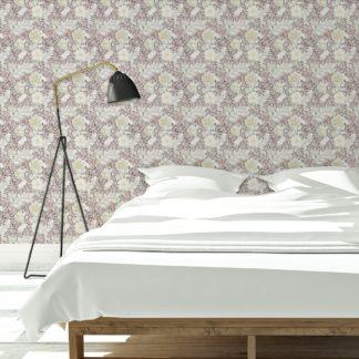 """Tapete Wohnzimmer grün: Edle Tapete """"Hibiskus Garten"""" mit üppigen Blüten, mint braune Vlies Tapete Blumen, schöne Wanddeko für Wohnzimmer"""
